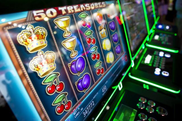 カジノのスロットマシンのコンピュータモニター