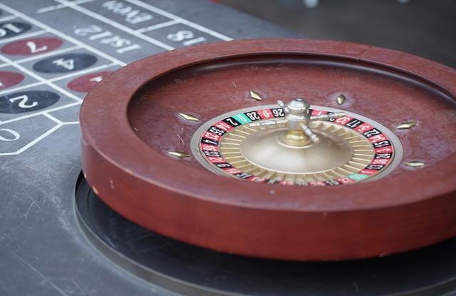 部屋のカジノゲームのルーレット