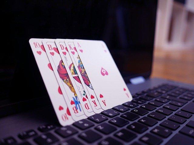オンラインカジノポーカー